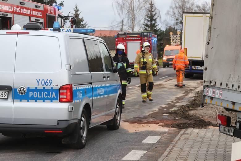 Śmiertelny wypadek pod Skaryszewem. Zginął kierowca seata. Droga była zablokowana, wyznaczono objazdy