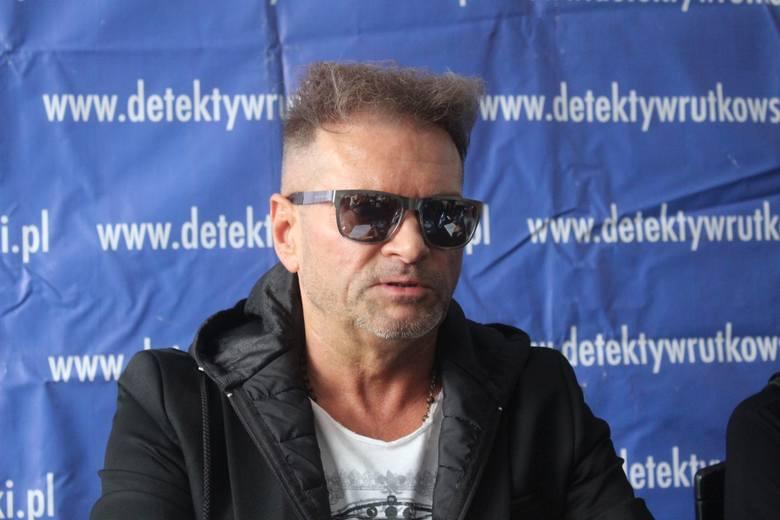 Rutkowski Pomaga Mieszkańcom Regionu Furorę Robi Jego Fryzura