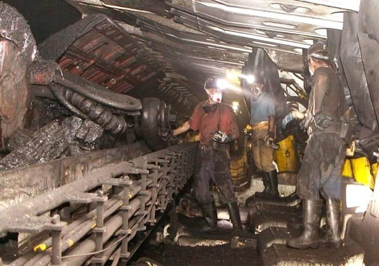 W kopalniach Jankowice i Murcki-Staszic potwierdzono 185 zakażeń koronawirusem. Wydobycie wstrzymano tam do 10 maja
