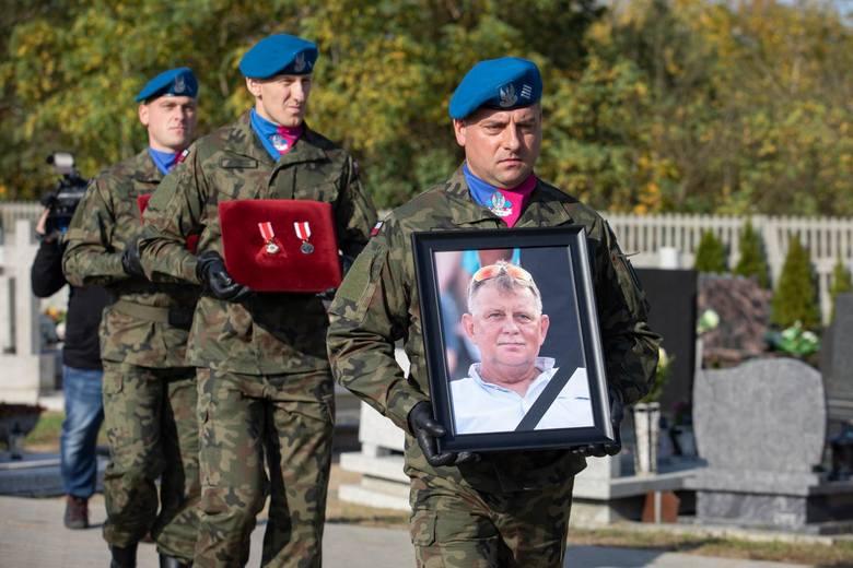 Najbliżsi, przyjaciele i lekkoatletyczna rodzina pożegnali w środę Wiesława Czapiewskiego. Znakomity trener lekkiej atletyki z bydgoskiego Zawiszy zmarł