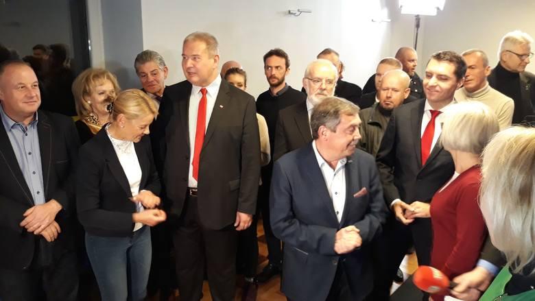 Wybory w Szczecinie: WYNIKI i komentarze ze sztabu wyborczego Bartłomieja Sochańskiego [WIDEO]
