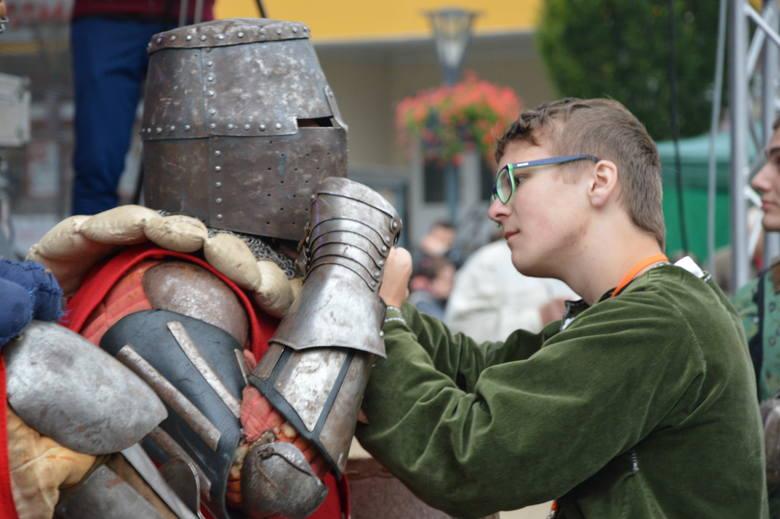 Atrakcjami jarmarku były m.in. turniej rycerski i pokazy rzemieślnicze.