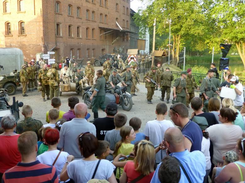 W Łabiszynie nie brakuje miejsc, w których mogą odbywać się rekonstrukcje. Jednym z nich są okolice młyna przy ul. Mickiewicza.