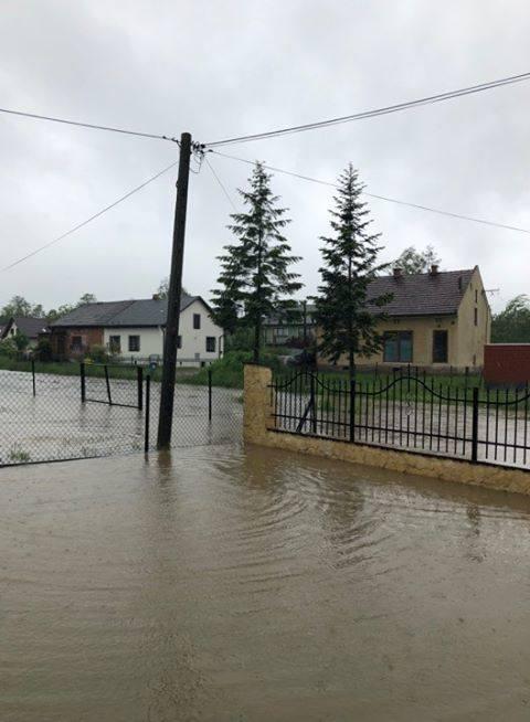 Małopolskie miasta i wsie walczą z wodą [WASZE ZDJĘCIA]