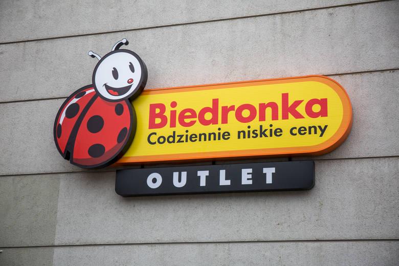 Biedronka Outlet w Gdańsku już otwarta. Kupimy tu produkty z rabatami nawet do 80 procent.