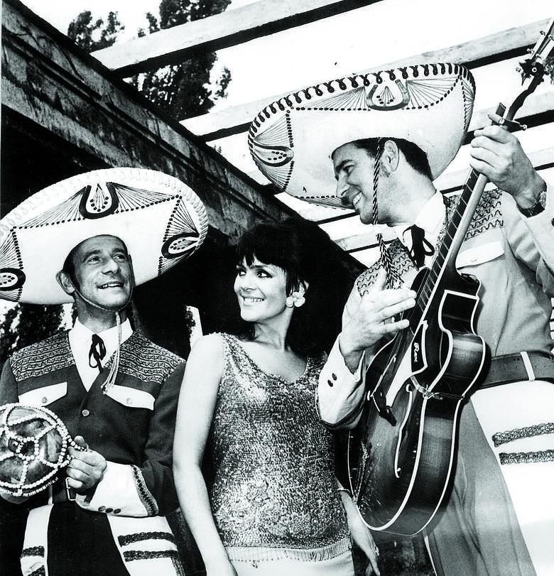 """Płyty z piosenką """"Pamelo, żegnaj"""" rozeszły się w kilkunastomilionowych nakładach. Od lewej: Mieczysław Metelski, Izabella i Zbyszek Dziewiątkowscy (pierwszy"""