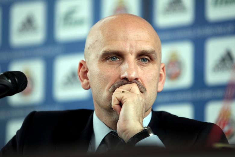 Nowym prezesem Elany został 52-letni Jacek Bednarz. Jak sam przyznaje, Torunia na razie jeszcze nie zna. Po przeprowadzce z pewnością zdąży zwiedzić