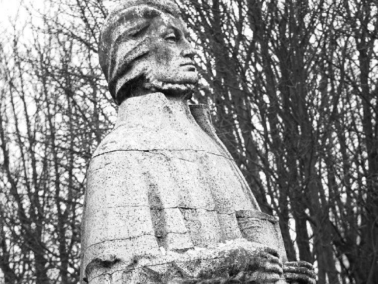 Dopiero w przyszłym roku posąg Mickiewicza będzie remontowany