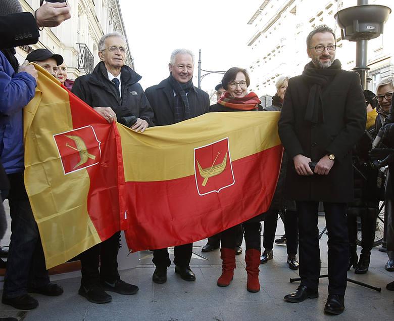 Aleja Sławy na Piotrkowskiej w Łodzi. Wmurowali gwiazdę Jacka Fedorowicza
