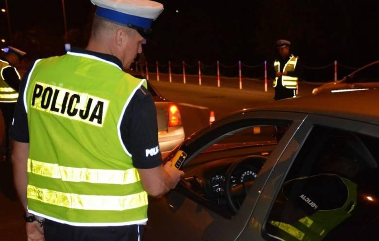 Akcja Dyskoteka. Skontrolowano ponad 2700 kierowców i 400 pojazdów (zdjęcia)