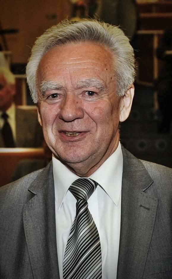 Ryszard Jerzy Kukliński ps. Jack Strong, Mewa (ur. 13 czerwca 1930 w Warszawie, zm. 11 lutego 2004 w Tampie) – pułkownik Ludowego Wojska Polskiego i