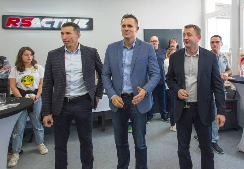 Dwaj byli reprezentanci Polski w piłce ręcznej i byli zawodnicy PGE VIVE Kielce, Sławomir Szmal i Radosław Wasiak, otworzyli w sobotę wspólny biznes.
