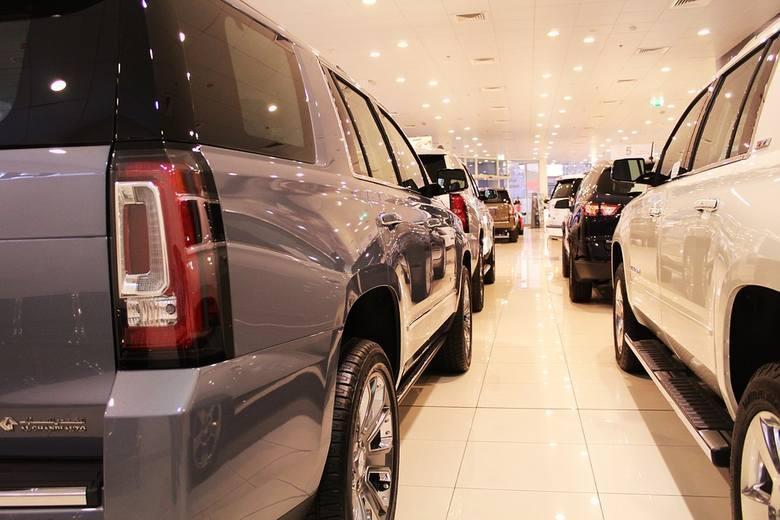 Wszyscy kierowcy jeżdżący benzyniakami i dieslami złożą się na dopłaty dla tych, którzy zdecydują się na zakup nowych samochód elektryczny lub pojazd