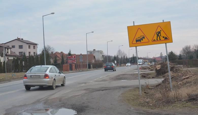 Budowa i przebudowa drogi wojewódzkiej nr 835 (DW 835) na odcinkach:• od granicy miasta do skrzyżowania ul. Abramowickiej z ul. Sadową • od skrzyżowania