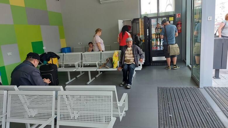 Poczekalnie w Centrum Przesiadkowym MZK znów - od poniedziałku, 2 sierpnia - znów są otwarte
