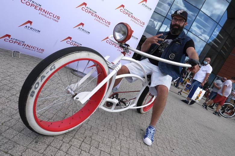 W sobotę w Atrium Copernicus pojawili się pasjonaci jednośladów którzy wzięli udział w Ogólnopolskim Zlocie Custom Bike. Mieszkańcy Torunia oraz miłośnicy
