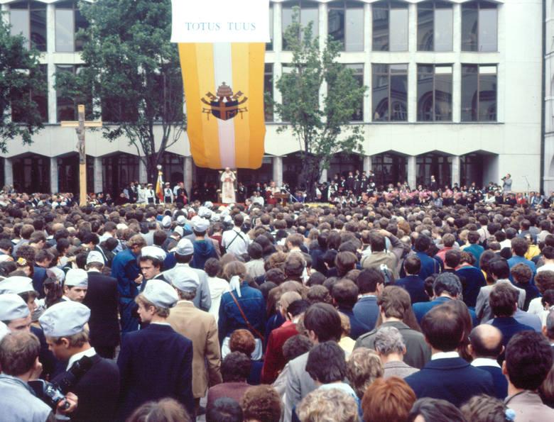 Spotkanie papieża z młodzieżą akademicką KUL w 1987 roku
