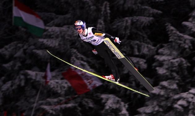 Adam Małysz oddał dobry skok na odległość 105,5 metra
