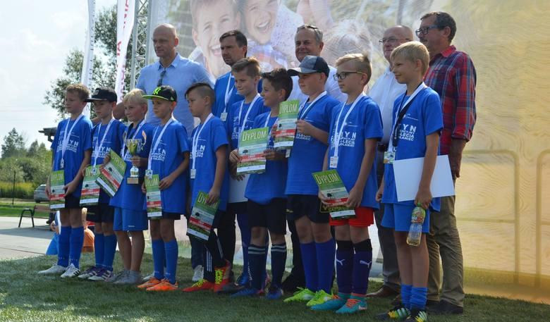 Kilkanaście drużyn dzieci w kilku kategoriach wiekowych uczestniczyło w rodzinnym festynie sportowo-rekreacyjnym z okazji 40-lecia Elektrowni Połaniec,