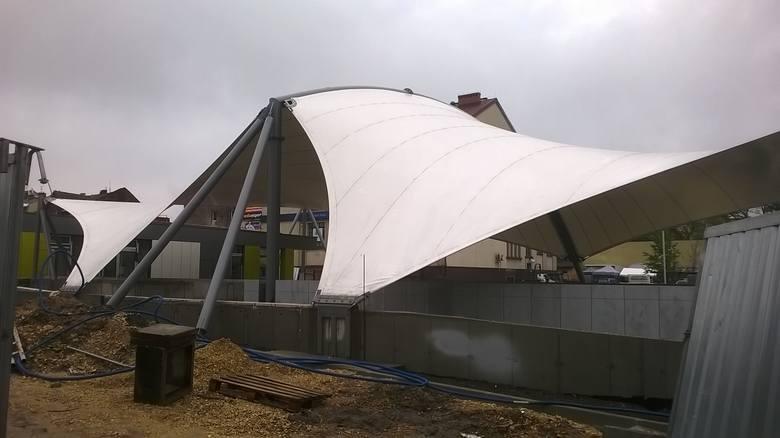 Budowa centrum przesiadkowego w Jaworznie skończy się dopiero jesienią 2019