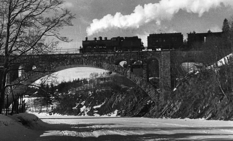 Pociąg Narty Dancing Bridge