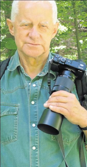 Strzałkowski należy do nielicznych fotografów, którzy mogą uczestniczyć w działaniach GROM-u i fotografować  komandosów