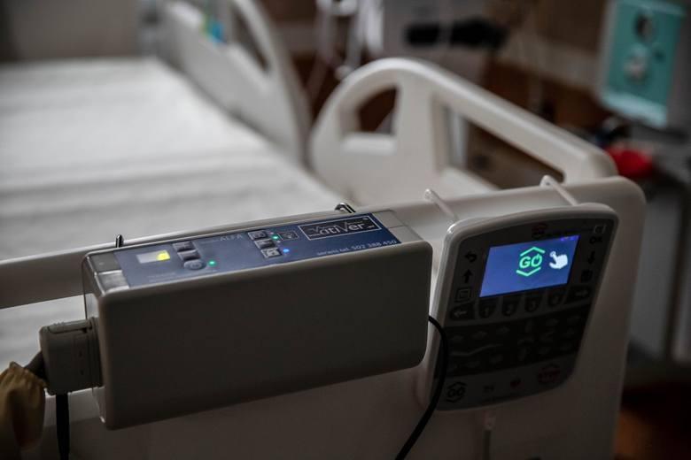 Do szpitala tymczasowego przy ul. Żurawiej trafił już pierwszy pacjent. Zobacz, jakie są tam warunki