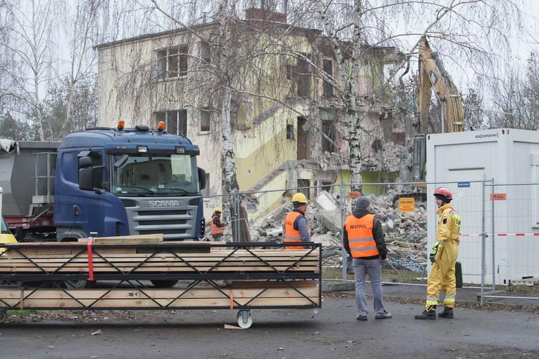 Spółka Poznańskie Inwestycje Miejskie informuje, że w następnej kolejności taki los spotka budynek przy ul. Czarna Rola (były gabinet stomatologiczny),