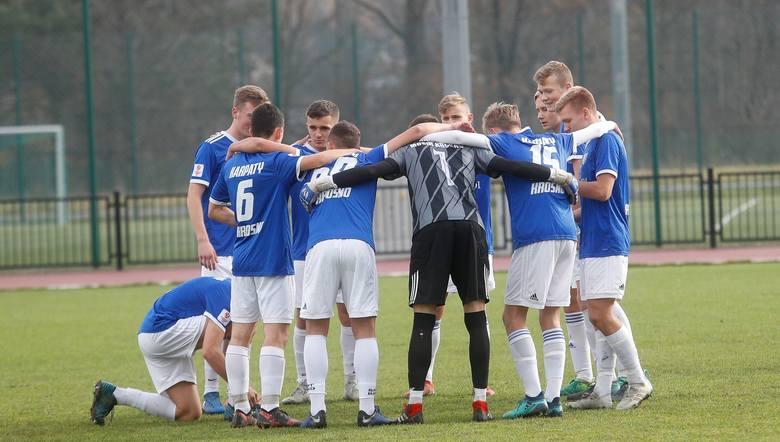 Najlepsi młodzi piłkarze z Podkarpacia rzadko zostają w swoich macierzystych klubach. Wielu z nich otrzymuje oferty z czołowych polskich klubów. Oto