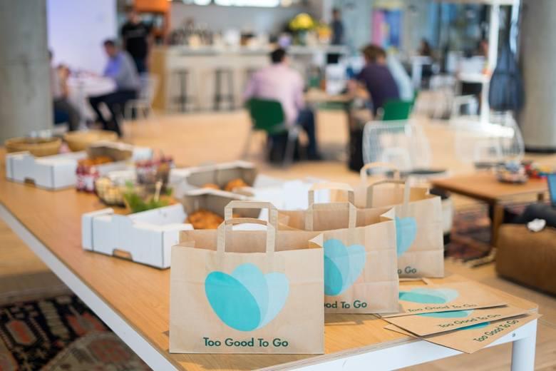 W marcu informowaliśmy Was o tym, że pierwszy toruński lokal gastronomiczny dołączył do aplikacji Too Good To Go, która walczy z marnowaniem jedzenia.