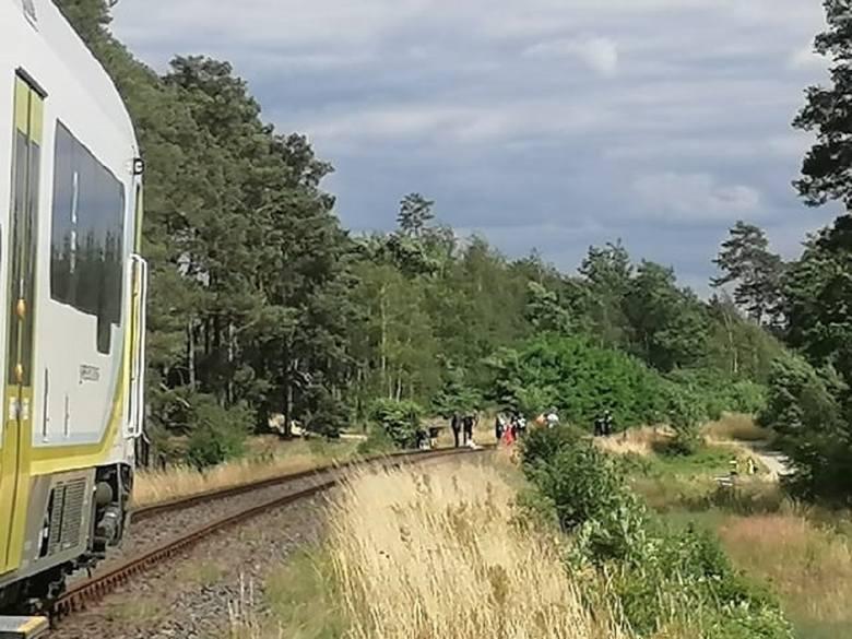 W wypadku na przejeździe kolejowym zginął 8-letni chłopiec.