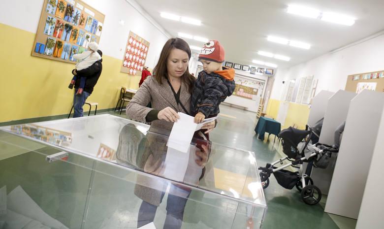 Z danych Delegatury Krajowego Biura Wyborczego w Rzeszowie wynika, że w stolicy Podkarpacia do godz. 12 zagłosowało 15,75% wyborców.