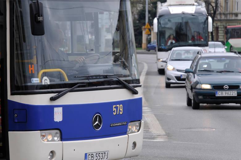 Z początkiem maja na linii nr 73 zostaną wprowadzone natomiast tzw. letnie rozkłady jazdy (obsługa Dworca Bielawy we wszystkie dni tygodnia). Ułatwi