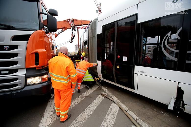 Awaria na trasie tramwajów na al. Wyzwolenia w Szczecinie