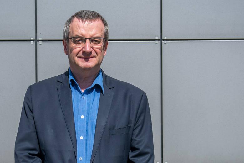 Witold Draber, dyrektor Powiatowej Stacji Sanitarno-Epidemiologicznej w Poznaniu apeluje do lekarzy rodzinnych o diagnozowanie swoich pacjentów pod kątem