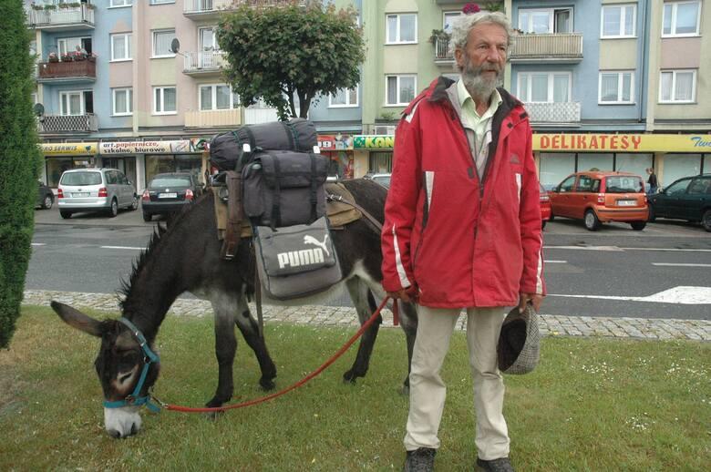 Jacques Abdelaziz z Francji zawędrował ze swoimi osiołkami również do Olesna.