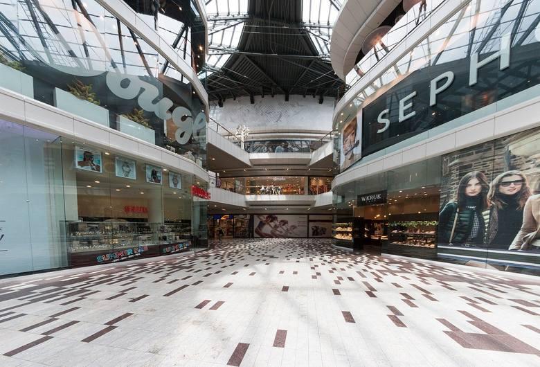 W poniedziałek, 4 maja 2020, kończy się część ograniczeń dotycząca działalności galerii handlowych w Polsce. Mogą zostać otwarte działające w nich sklepy