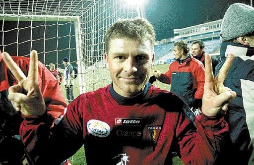 Grzegorz Matlak może czuć się szczęśliwy. Gra w swoim ukochanym klubie i nie musi się tułać po Polsce.
