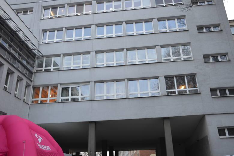 Kraków. Instytut Onkologii kompleksowo opiekuje się paniami z rakiem piersi. Włączono go do sieci placówek z Breast Cancer  Units