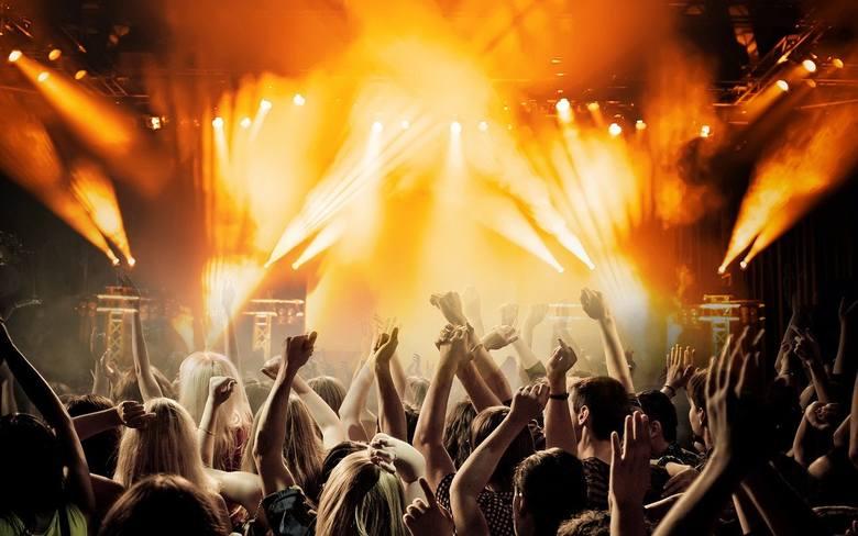 Ostatki X DQ ShowKarnawałowa impreza, a na scenie DQ Lucy d'Arc prosto z Warszawy. Tego nie wolno przegapić! Zagrają DJ FONIC oraz EMM. Czy jesteście