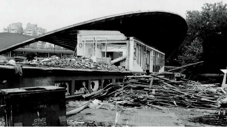 Opole 1997. Amfiteatr opolski kilka dni po zejściu wody.