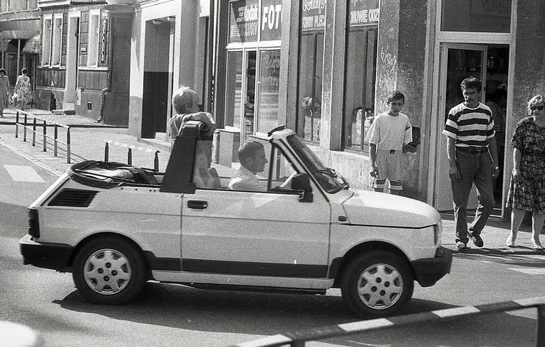 Zobacz, jak wyglądał Białogard w latach 90-tych. Bardzo się zmienił? Oto unikatowe zdjęcia koszalińskiego fotografa Krzysztofa Sokołowa. Zobacz także: