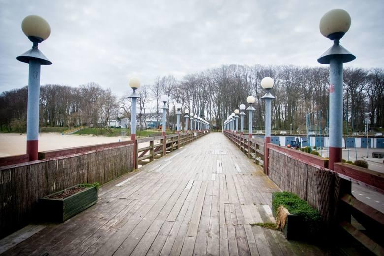 Od poniedziałku 20.04.2020 r. można już wchodzić na plaże i mola m.in. w Pucku, Rewie i Mechelinkach
