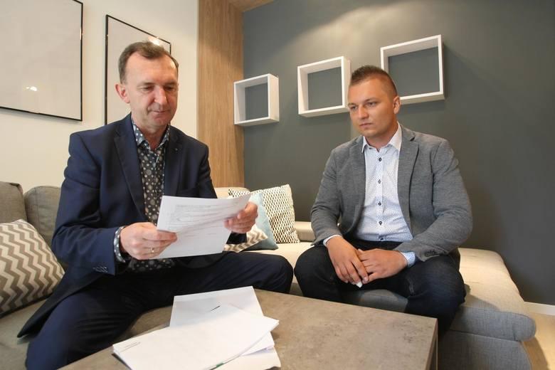"""Paweł Zwierzyński został laureatem loterii Nowin - """"Mieszkanie za Czytanie"""". To on jest właścicielem dwupokojowego mieszkania w Rzeszowie, które warte jest 305 000 zł"""
