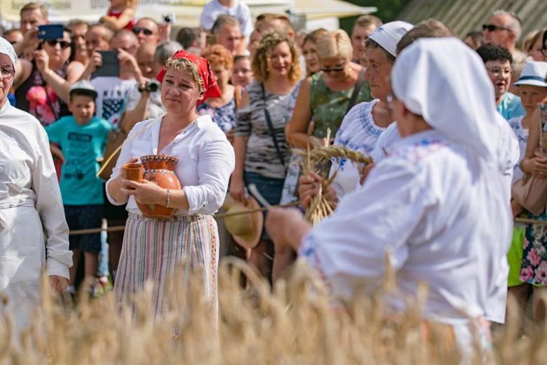 Co roku Podlaskie Święto Chleba przyciąga do Ciechanowca tysiące osób. To jedna z największych imprez organizowanych w ciechanowieckim muzeum oraz w