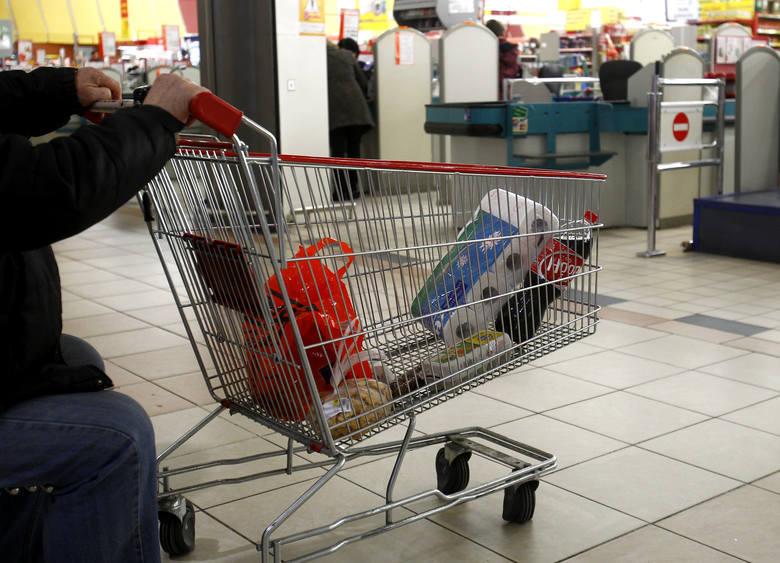 Koszty zakupów w całym kraju znacznie wzrosły w ostatnim czasie. Według danych Głównego Urzędu Statystycznego ceny w Polsce rosną najszybciej od 7 lat,