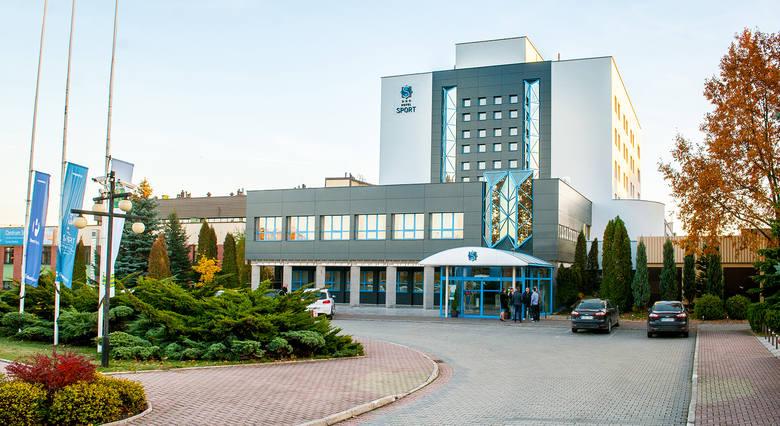 Hotel Sportul. 1 Maja 6397-400 BełchatówRecepcja i Biuro Obsługi Rezerwacji Indywidualnych:+48 44 635 50 00+48 605 630 234https://sporthotel.pl/