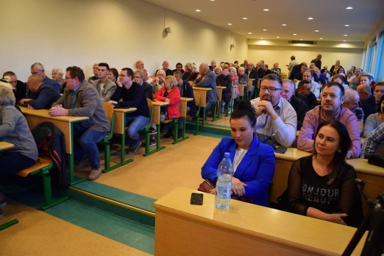 8.10, Człuchów, Instytut Politologii, ul. Witosa 20- debata z kandydatami na burmistrza Człuchowa