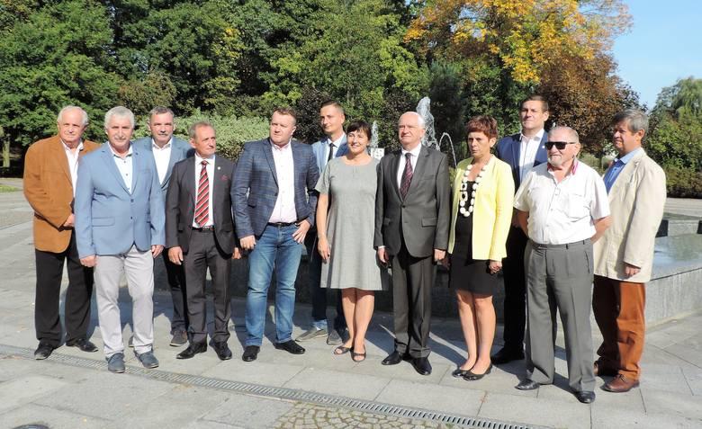 Janusz Zemke przyjechał do Mogilna, aby zaprezentować i wesprzeć kandydatów w wyborach