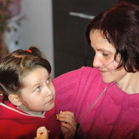 Renata przytula córkę: - Tak bardzo chciałabym jeszcze zdążyć wprowadzić ją w dorosłe życie, przekazać jej kilka prawd życiowych...